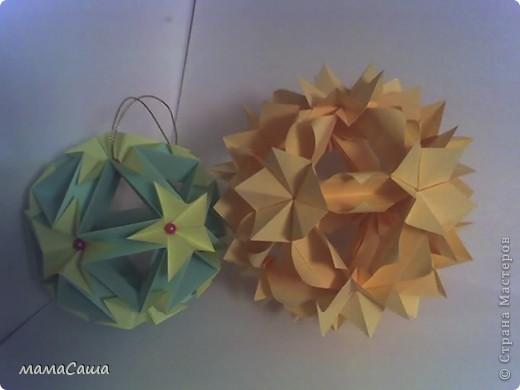 Многие кусудамки нашли себе новых хозяев и , вот, новое пополнение. Кусудама на основе модуля Magic Rose Cube by Valery Vann 30 модулей без клея.  фото 5