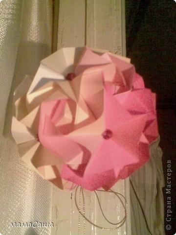 Многие кусудамки нашли себе новых хозяев и , вот, новое пополнение. Кусудама на основе модуля Magic Rose Cube by Valery Vann 30 модулей без клея.  фото 6