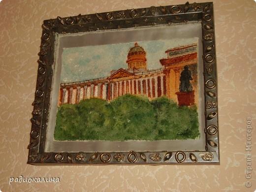 Вспоминая Санкт-Петербург, захотелось оставить на память о прогулках  небольшую картину. Нарисована она с фотографии на манке и оформлена в коробку из-под конфет. фото 1