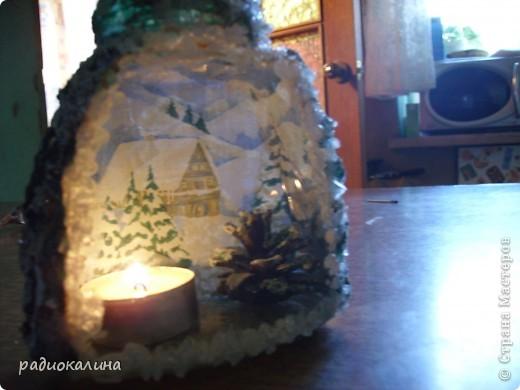 Сделала подсвечник для новогодних праздников.  Декупаж прямой-обратный. А с боков салфетки в виде лап елочных. фото 4