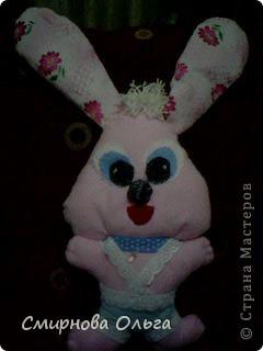 На сайте Радуга увидала такого синенького зайчишку. Себе решила сшить розового... фото 4