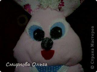 На сайте Радуга увидала такого синенького зайчишку. Себе решила сшить розового... фото 5