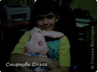 На сайте Радуга увидала такого синенького зайчишку. Себе решила сшить розового... фото 9