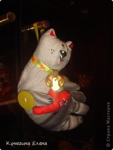 Подарила вот такого котика своей подруге на прошедший день рождения... Вы бы видели её разочарованное лицо...(толи она хотела  получить в подарок что-либо ценное, шапку, например,толи решила меня обидеть)... фото 3