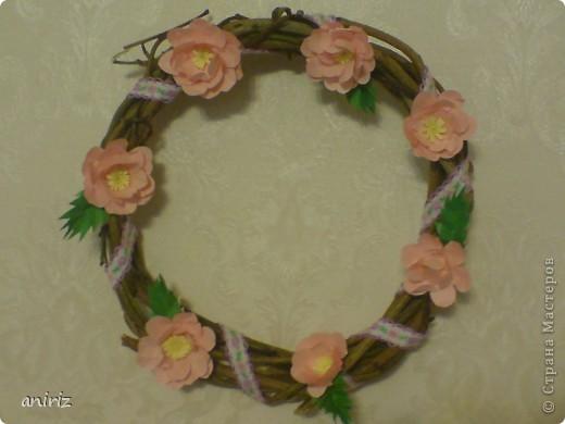 Веночек с цветами шиповника. фото 1