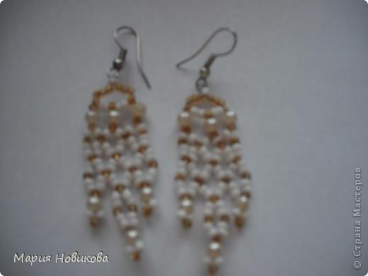 Было старое мамино ожерелье, а стали мои новенькие сережки )) фото 2