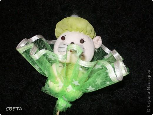 Игрушка Мастер-класс Поздравление 8 марта Валентинов день День рождения Шитьё Букет из игрушек Бусины Ленты Носки Ткань фото 17