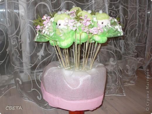 Игрушка Мастер-класс Поздравление 8 марта Валентинов день День рождения Шитьё Букет из игрушек Бусины Ленты Носки Ткань фото 18