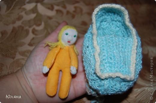 волдорфская кукла в сумочке люльке фото 1