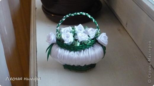 Корзиночки плела моя дочка Ангелиночка (ей 6 лет),цветы и ручку делала я. фото 2