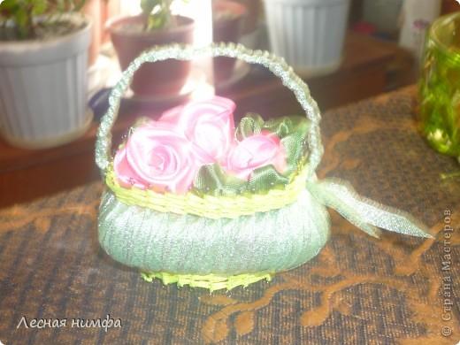 Корзиночки плела моя дочка Ангелиночка (ей 6 лет),цветы и ручку делала я. фото 5