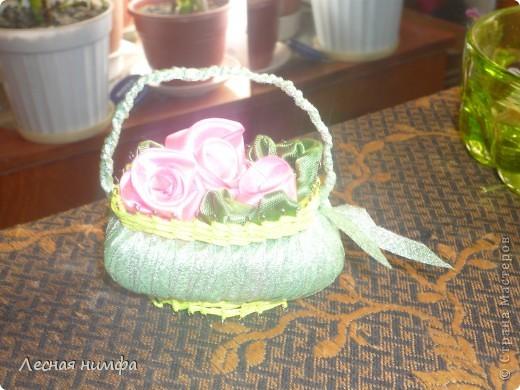 Корзиночки плела моя дочка Ангелиночка (ей 6 лет),цветы и ручку делала я. фото 6