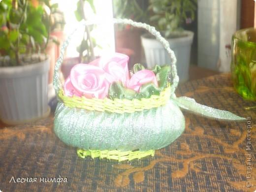 Корзиночки плела моя дочка Ангелиночка (ей 6 лет),цветы и ручку делала я. фото 7