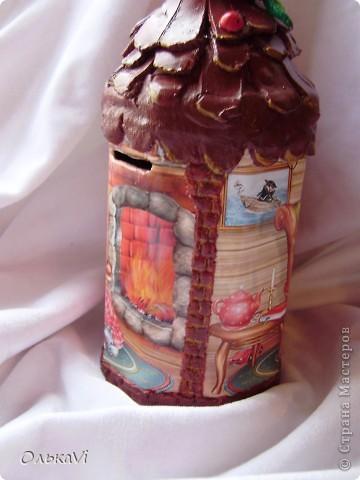 Копилка сделана в технике декупаж из металлической баночки от чая, двух фотографий и самозатвердевающей пасты. фото 2