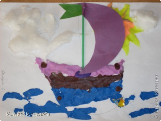 С детишками,сегодня репили сделать кораблик,плывущий в море,и вот что у нас получилось.Арина 2 года фото 5