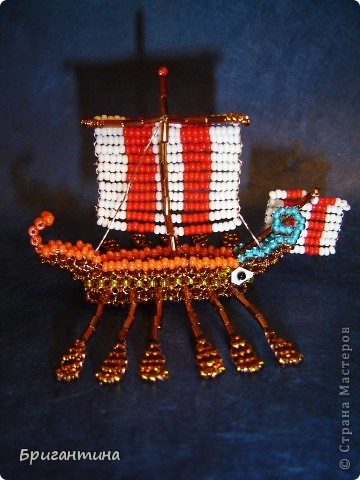 Трирема — класс боевых кораблей, которые использовались античными цивилизациями Средиземноморья, в особенности финикийцами, античными греками и древними римлянами.  фото 2