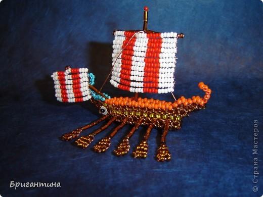 Трирема — класс боевых кораблей, которые использовались античными цивилизациями Средиземноморья, в особенности финикийцами, античными греками и древними римлянами.  фото 16