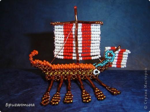 Трирема — класс боевых кораблей, которые использовались античными цивилизациями Средиземноморья, в особенности финикийцами, античными греками и древними римлянами.  фото 17