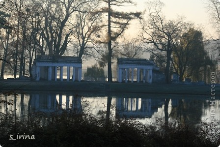 Дендропарк «Александрия» – самый большой в Украине. Он расположен на склоне реки Рось и занимает площадь в 200 га. На его территории растет больше 600 видов деревьев и кустарников и более 700 разновидностей травянистых растений. В общем, в парке растет 1360 видов, разновидностей, сортов и форм растений. При строительстве парка был грамотно обыгран рельеф – три глубокие, параллельные склону реки, балки, расширяющиеся к берегам.  фото 23
