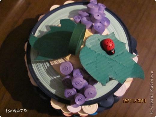 """Эту шкатулку я увидела в книге """"Квилинг- новые идеи для творчества"""" и решила сделать в подарок девочке на день рождение!!!! Делала просто глядя на картинку.... и вот, что получилось!!!!! фото 2"""