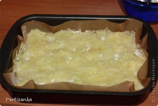 Рецепт очень простой, готовится быстро, получается вкусно!  Для этого пирога понадобится: 1 ст.сахара 1 ст.муки 1 ст.манки 1 пакетик разрыхлителя (по желанию ванилин или пакетик ванильного сахара) 5-6 яблок 150-180г. сливочного масла фото 9