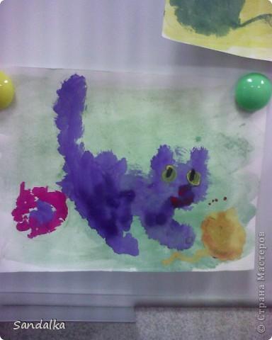 Трехлеточки рисуют тычком! фото 1