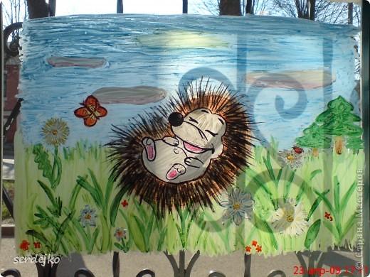 Вот так оформила одно окошко в этом году (2010 г)...Увидела работу Likmiass и была в таком восторге, что, не задумываясь, сповторюшничала ))) Спасибо за идею....А детям, проходящим мимо, как нравится )))))  фото 4