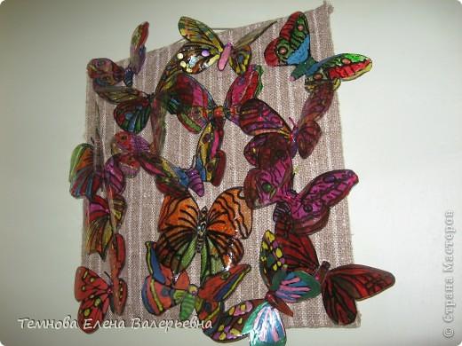 Бабочки из пластиковых бутылок.