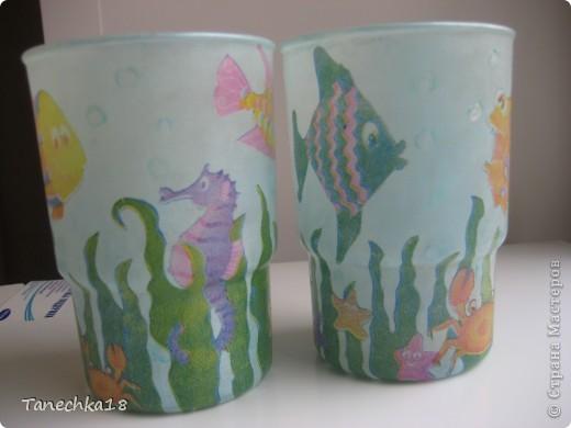 Были они невзрачными полуматовыми стаканчиками. И так мне их жалко стало, что решила поселись в них рыбок, черепашек и прочих морских обитателей!:)) фото 3