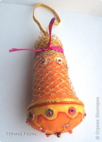 Лампочки накаливания превращаются в новогодние украшения для ёлки. фото 3