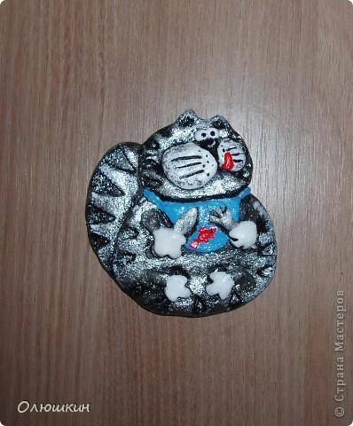 Начался процесс подготовки к Новому году. И вот начало моей серии магнитиков.)))) Размер примерно 8х8 см. В дальнейшем будут у котиков в лапках монетки... фото 3