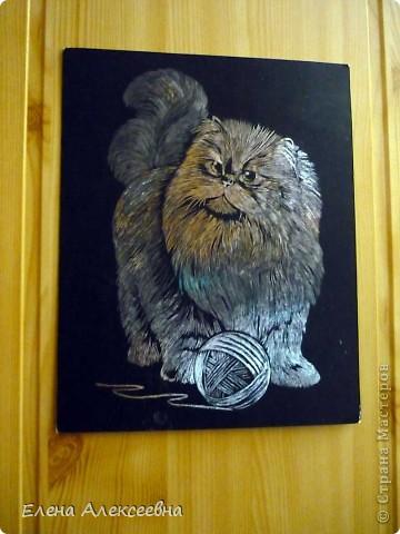 Эту работу делал мой сын Руслан(11 лет). Кот выполнен на бумажной основе серебристого цвета. фото 1