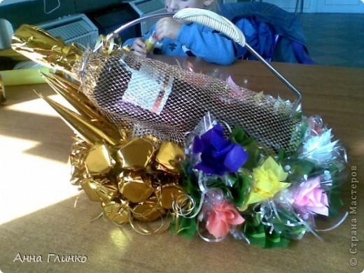 Подставка для вина с конфетками фото 1