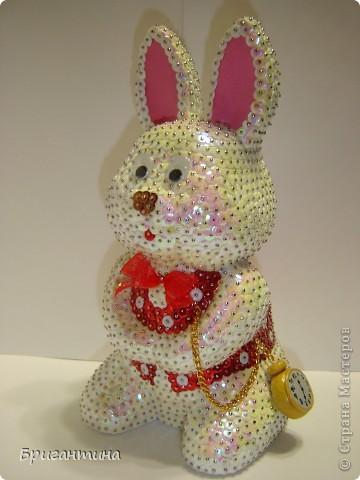 """Сделала белого кролика из """"Алисы в стране чудес"""". Основа из пенопласта. Еще раз спасибо Татьяне за чудесный МК """"Елочные игрушки"""". фото 2"""