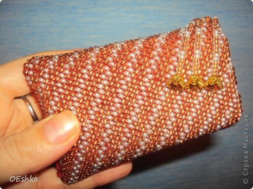 Вот такую сумочку для сотового связала себе.Работа заняла три дня.Высмотрела в интернете и захотела сама связать. фото 1