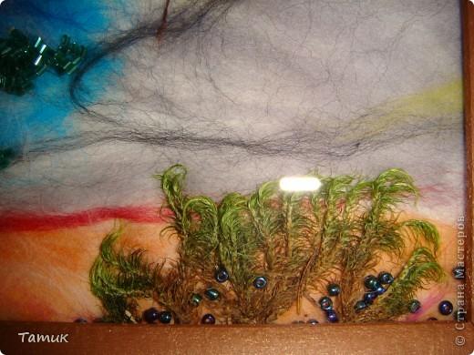 Вот такое дерево в горах .Увидела у Ассоль рисунок,решила сделать шерстью! Получилось хорошо. http://stranamasterov.ru/node/107421 фото 2