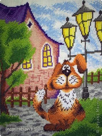 Озорная чёлка над глазами, Добрый взгляд и уши до земли – Рыжий пёс делил жилище с нами В доме, где цветы в саду цвели.