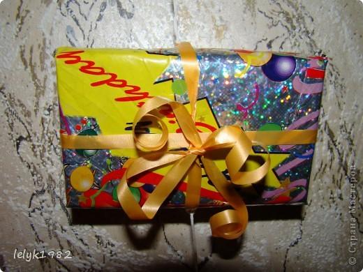 Такие вот подвески из маленьких коробочек завернутых в упаковочный материал. Зачем выбрасывать старую упаковку от подарка, если она может пригодится... фото 6