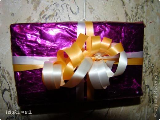 Такие вот подвески из маленьких коробочек завернутых в упаковочный материал. Зачем выбрасывать старую упаковку от подарка, если она может пригодится... фото 7