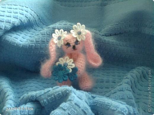Всем привет!Меня зовут Зайка. Меня вязали по этому описанию  http://maqicknittinq.ru/?p=875 фото 2