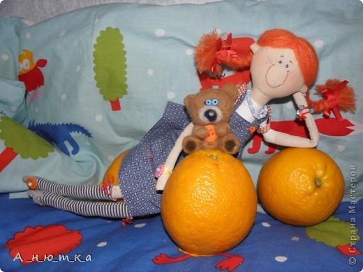 Рыжая забавная девчушка... Поднимет настроение даже в холодный дождливый день. Мишка - первый опыт валяния) Всем хорошего дня! фото 1
