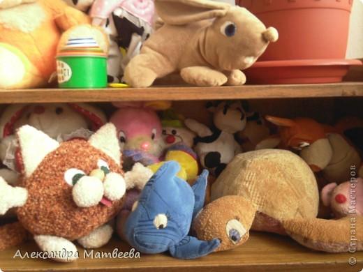 """Кота и кролика шила по книге Т.М. Золина, Т.И. Иванова """" Мягкая игрушка""""- Забавный зоопарк. А рыбку и черепаху придумала сама. фото 1"""