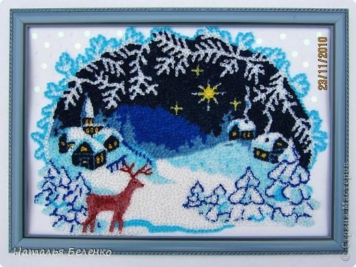 Соскучилась по торцеванию. А сейчас как раз такая благодатная тема - Рождество и Новый год. Ну как можно обойти эту тему? Такую картинку подсмотрела в вышивках. Размер работы 20*30 см.  фото 1
