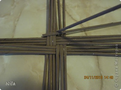 Мастер-класс Плетение Варианты плетения дна корзинки Бумага газетная фото 3