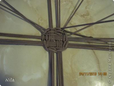 Для   tava13  выкладываю мини МК по плетению дна для подноса . Может кому-то еше пригодится. Для плотного плетения или большой корзинки плету 3 х3 фото 11