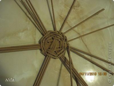 Для   tava13  выкладываю мини МК по плетению дна для подноса . Может кому-то еше пригодится. Для плотного плетения или большой корзинки плету 3 х3 фото 18