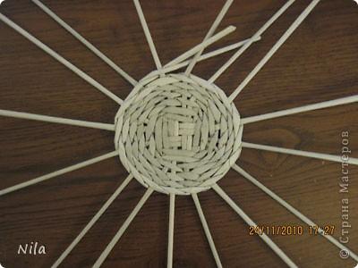 Для   tava13  выкладываю мини МК по плетению дна для подноса . Может кому-то еше пригодится. Для плотного плетения или большой корзинки плету 3 х3 фото 20