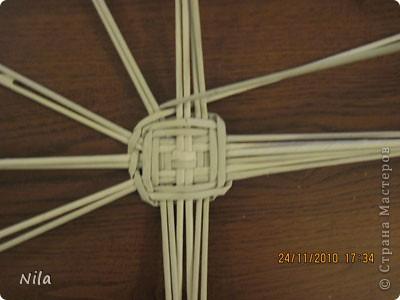 Для   tava13  выкладываю мини МК по плетению дна для подноса . Может кому-то еше пригодится. Для плотного плетения или большой корзинки плету 3 х3 фото 22