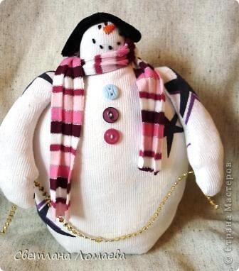 """В предверии Нового года нашила таких снеговиков на подарки. Все вроде бы примитивные. Правда, """"радикальный"""" примитив, т.е. зачуханный и состаренный у меня так и не получился.  фото 4"""