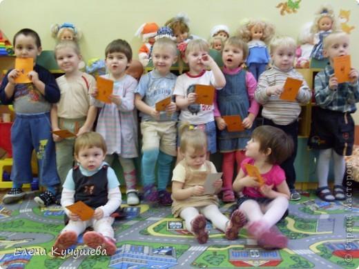 """Скоро праздник """"День Матери"""" мы с малышами сделали простые открыточки.  фото 4"""